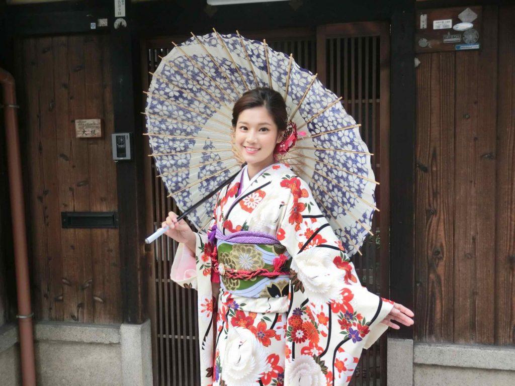 cach mac kimono va yukata5