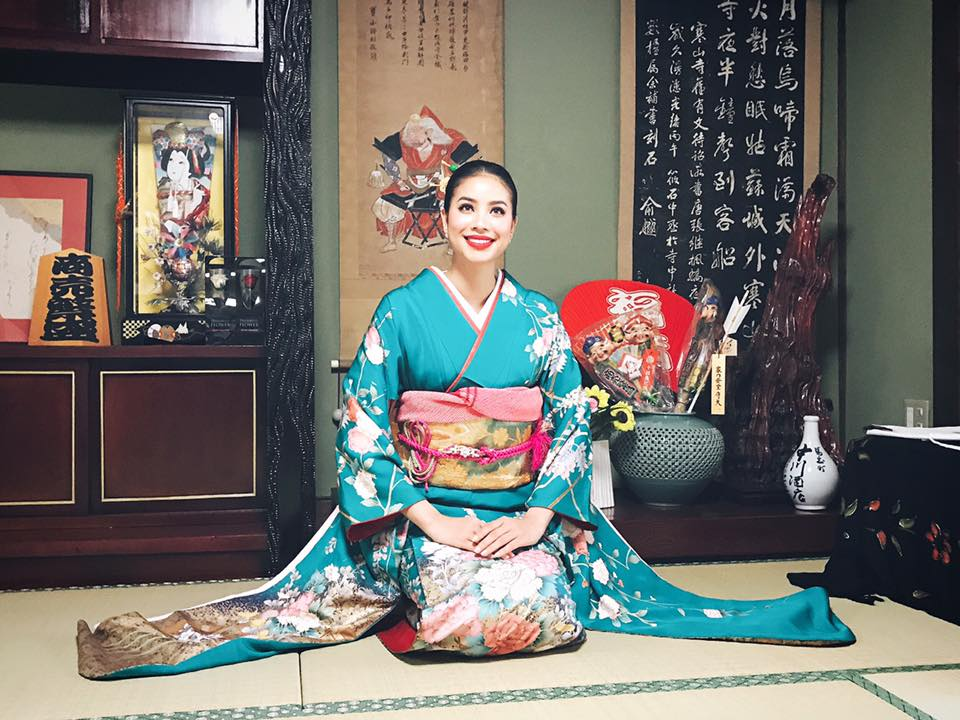 cach ngoi khi mac kimono
