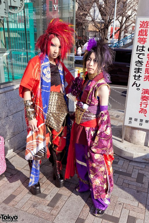 kimono cach dieu ket hop voi phong cach punk rock
